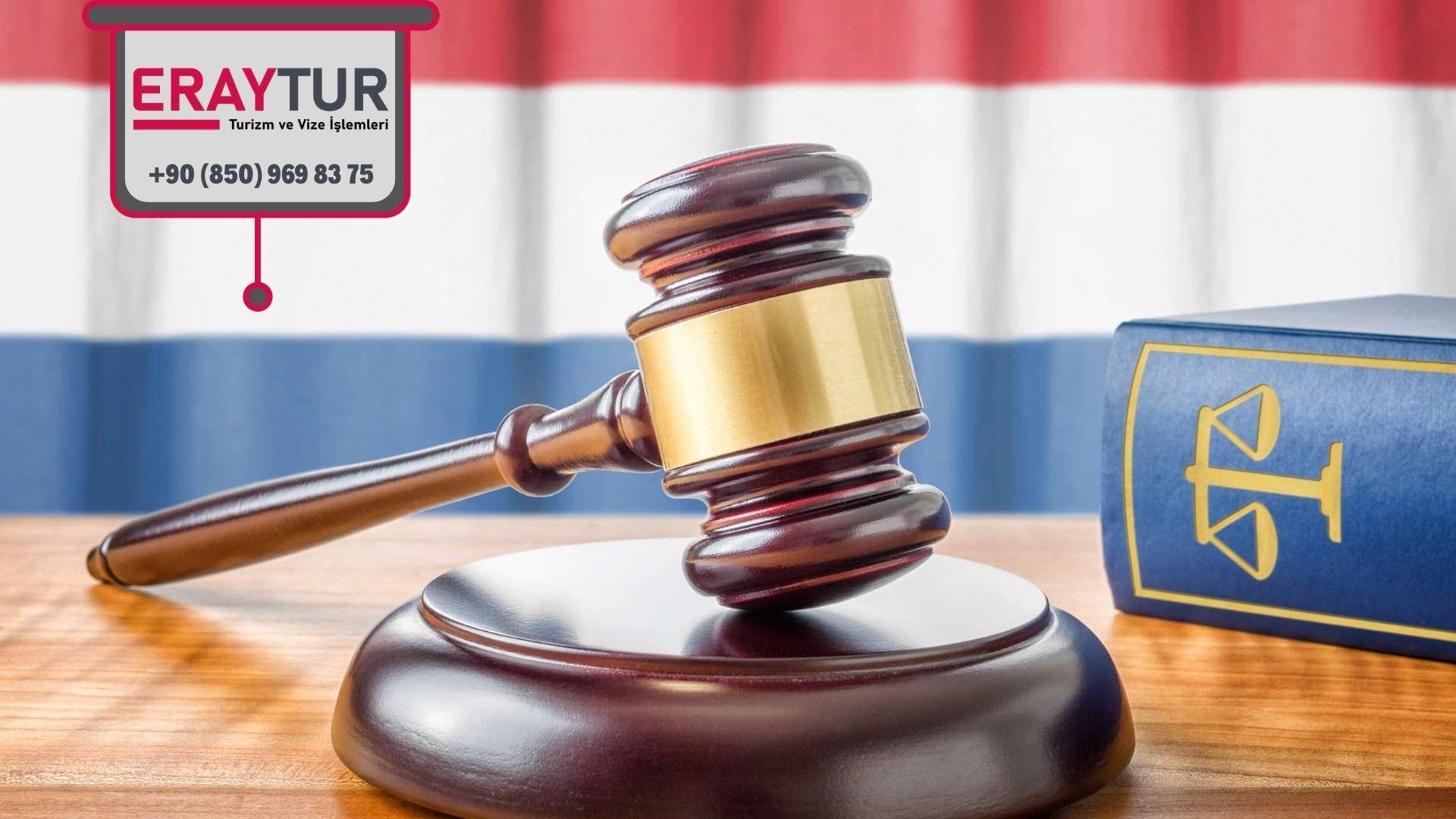 Hollanda Turistik Vize Eczacı/Avukat Evrakları